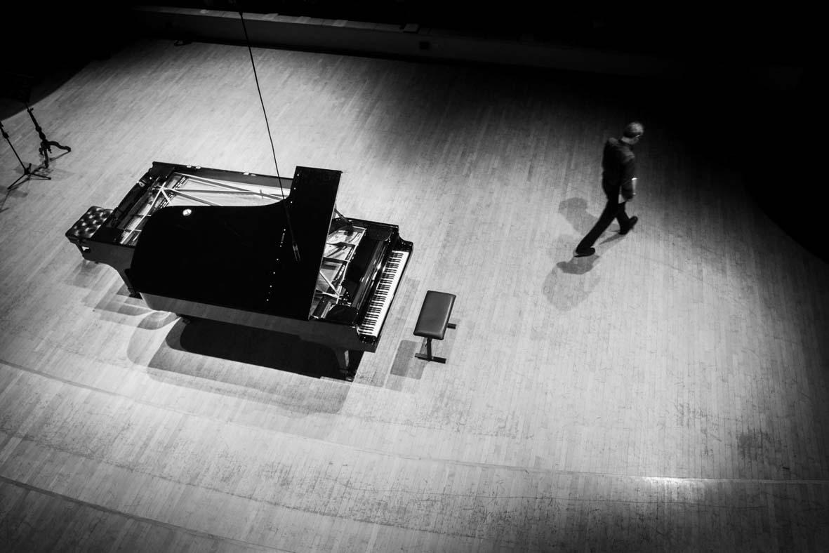 צילום אומנותי שחור לבן פסנטר